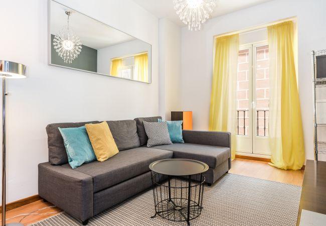 Apartamento en Madrid - BNBHolder Plaza de Luna MALASAÑA