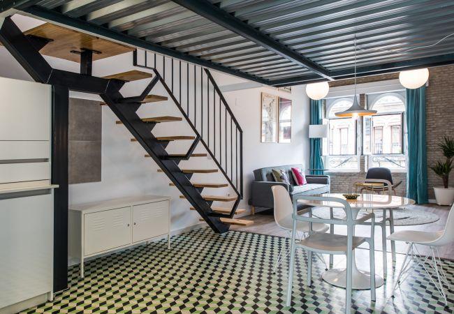 Apartamento en Sevilla - BNBHolder Awesome Duplex Attic CENTRE