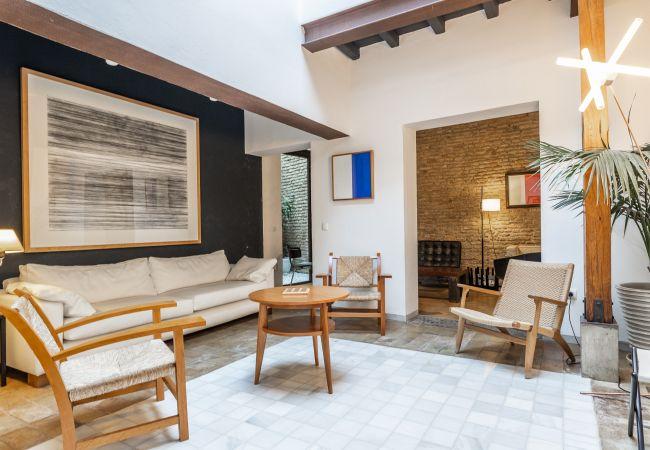 Apartment in Sevilla - BNBHolder CASA PATIO s. XVIII CON PISCINA & TERRAZ
